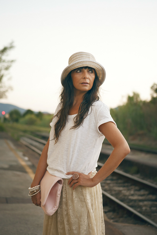 Smilingischic Sandra Bacci outfit piano americano cappello paglia