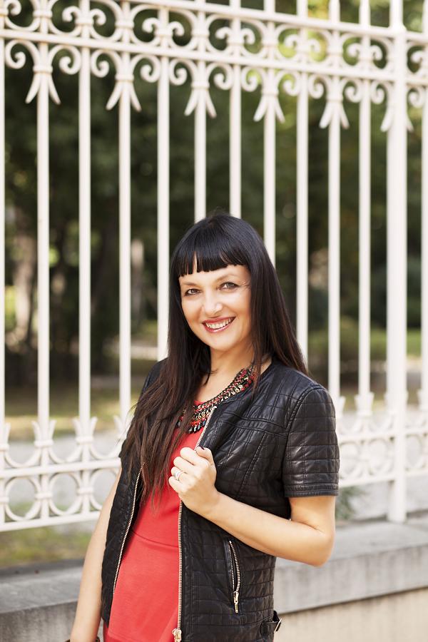 smilingischic, Sandra Bacci, dettaglio, primo piano, sorriso, giubbotto pelle Zara
