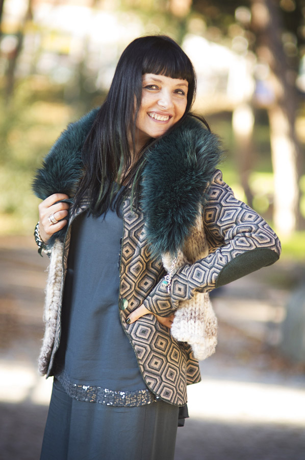 Smilingischic, fashion blog, come vestirsi in verse, sovrapposizioni, gilet con collo di pelliccia, Tres Jolie