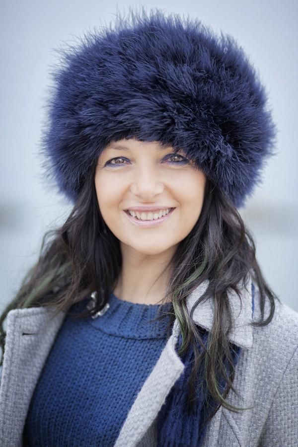 smilingischic, Sandra Bacci, fashion blog, a woman like a zarina, primo piano, smile, colbacco blu,