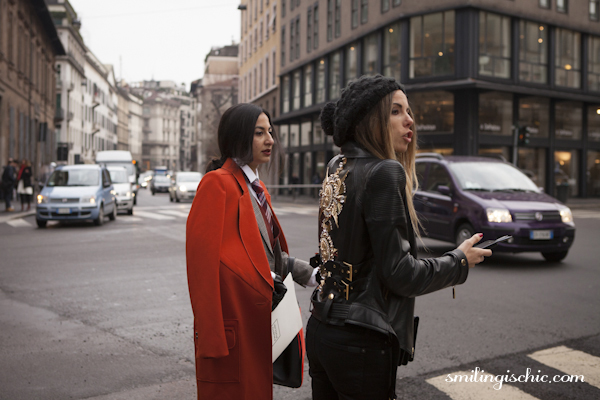 Smilingischic , fashion blog, streestyle, MFW , red accents