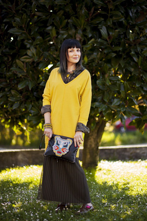 Smilingischic, fashion blog, Sodini bijoux, a dream that smells of home, Lucca, camouflage trend, punto luce Sodini, yellow, outfit