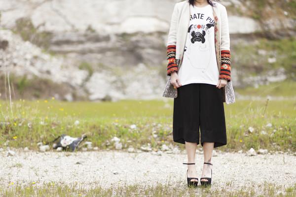 Smilingischic, fashion blog, Japan girl? I'm here! Japanese Style, maniche ricamate, stile giapponese primavera estate estate 2013,  trend di stagione, stile giapponese Zara, Karaté Pug,