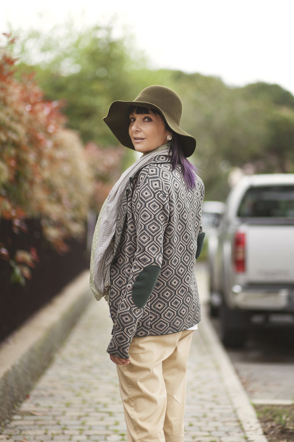 Smilingischic, fashion blog, Playing to be a a lady, outfit, blazer, patterns, cappello a falda,