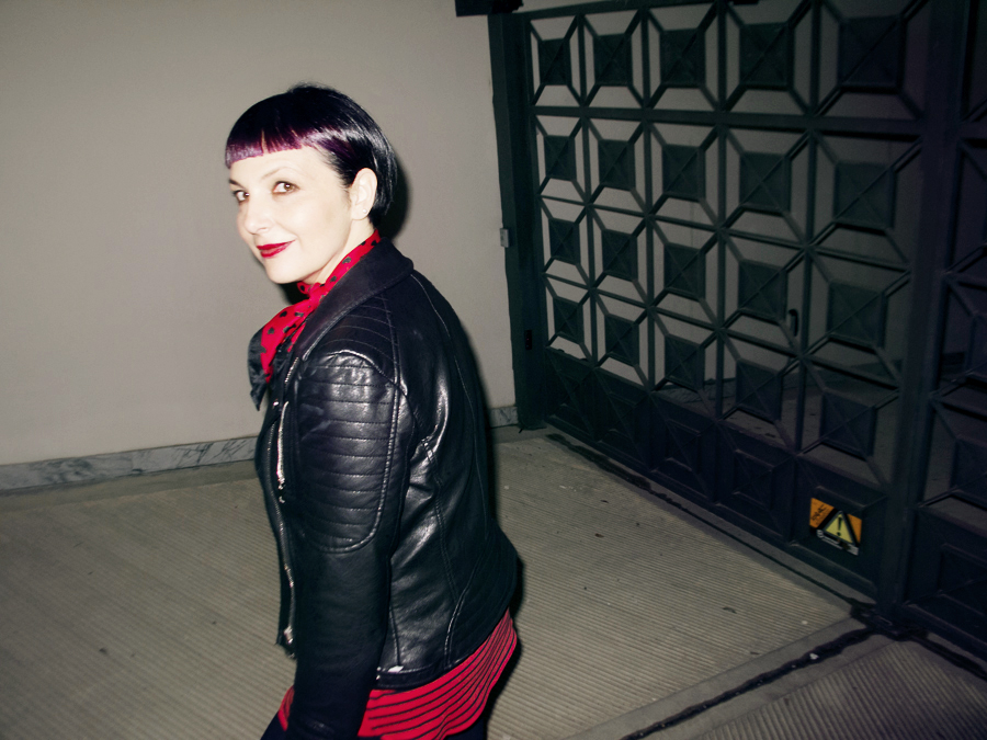 Smilingischic | Sandra Bacci | Black e Red-1004, giacchetto di pelle,