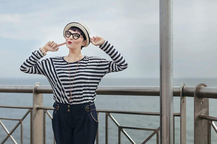 Smilingischic -1001, sailor style,  ironia, strips,  Tonfano, beach