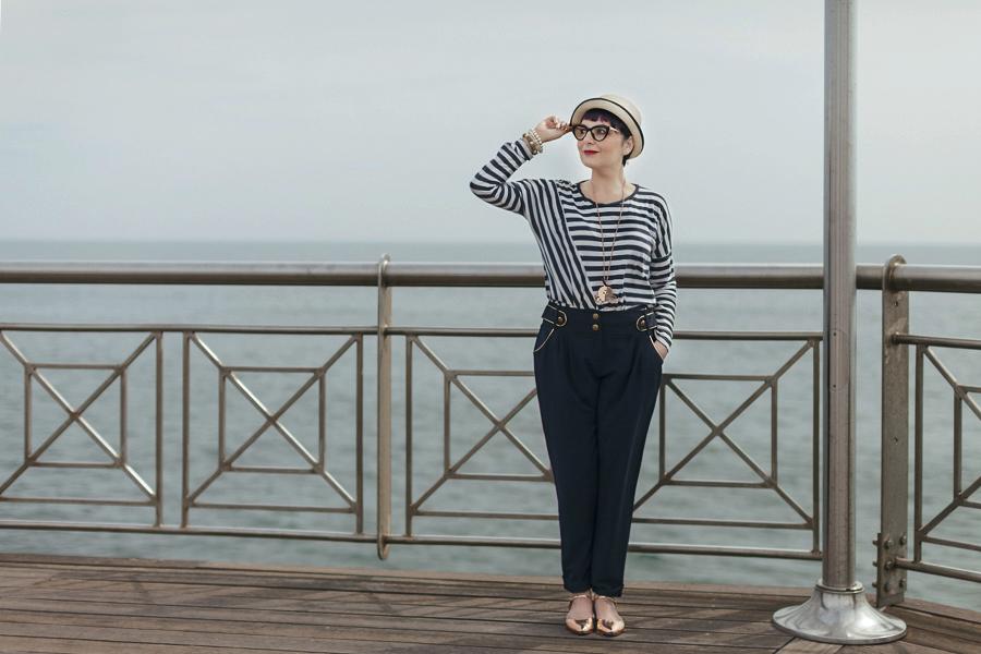 Smilingischic -1003, sailor style,  ironia, strips,  Tonfano, beach