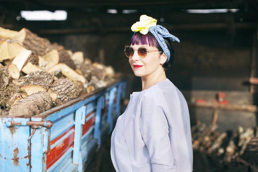 Smilingischic | Dixie | Mix and Mutch-1005, mix and match, foulard con fiore, occhiali Zero UV