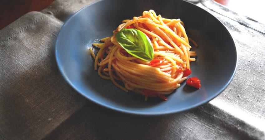 Spaghetti con Pomodorini dell'orto al forno e basilico