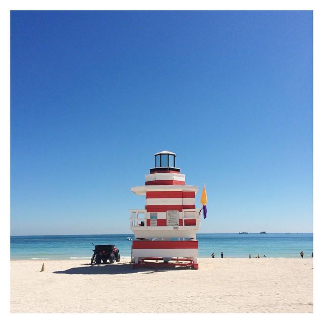 Postcard from #miami  #southbeach  #beach  #travel  #instadaily  #instatravel #blue #sea  #honeymoon  #sandragiorgiowedding