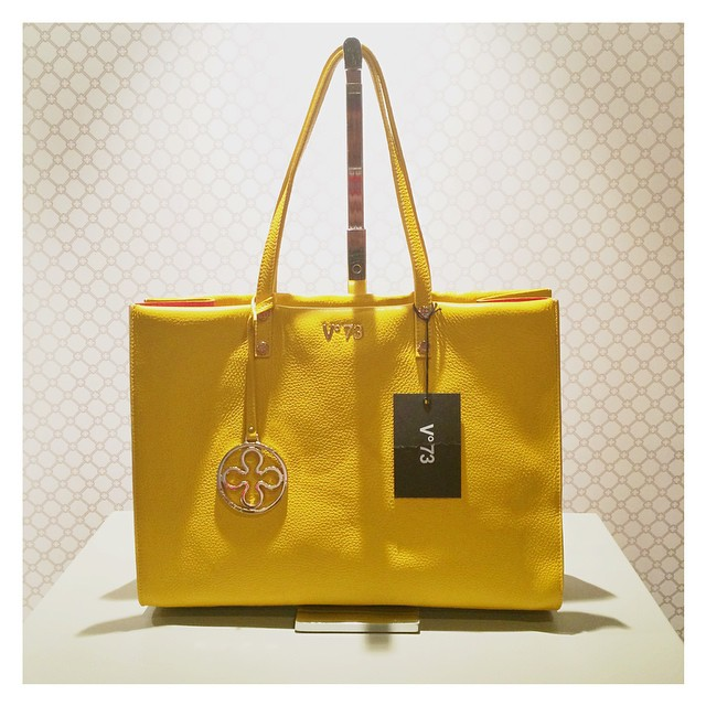 Ma alla fine lei è stata la mia preferita!!!!! ?????❤️ #v73 #miami #latergram  #style #bag  #yellow @v73official