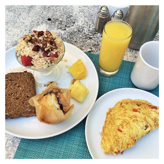 Buongiorno! L'appetito non manca ??? . E se questa e' la mia colazione! Potete immaginare quella di Giorgio!!!! #food  #breakfast #miami  #honeymoon  #sandragiorgiowedding