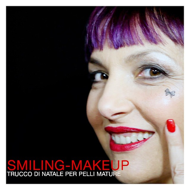 Un nuovo video questa mattina per #smilingmakeup su www.smilingischic.com. Rapidi consigli di @sarita81 per un make up per il giorno di #natale  per ... Pelli mature ? #make-up #trucco #video  #tutorial  #blog #beauty