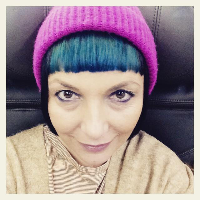 #milanomodauomo si rivela sempre più divertente e easy della #mfw  donna. Ne è valsa la pena ... 24 ore intense . Le mie occhiaie ne sono una riprova. #nonmollo #travel #pink  #blue #bluehair