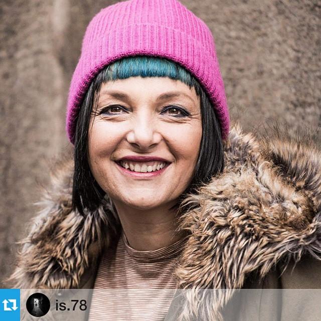 Let's Smile!!!! Spotted outside #ferragamo #fashionshow  #repost @is.78 with @repostapp.#ootd #milanofashionweek #Milan_fashion #streetstyle #photographer