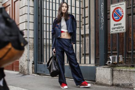 Street Style Milano Fashion Week 2015 adidas superstar rosse