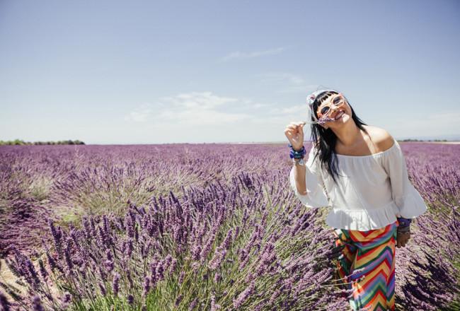 Provenza, altopiano di Valensole, lavanda a luglio, Sandra Bacci, Kyme sunglasses