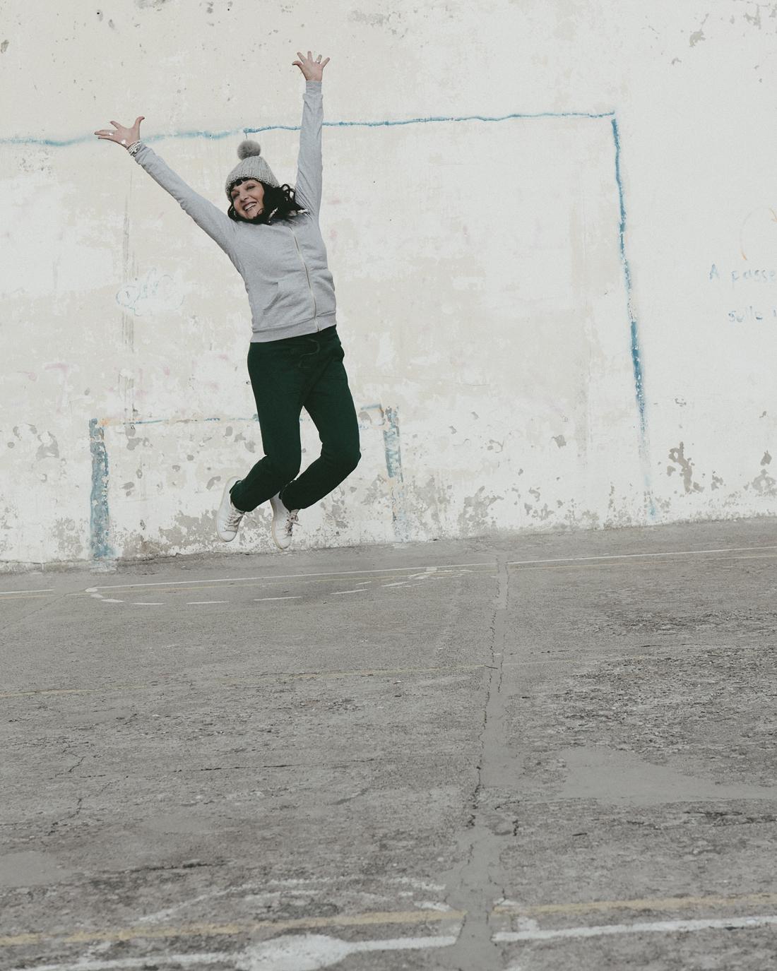 Happiness: E se regalassimo del tempo libero? , salto