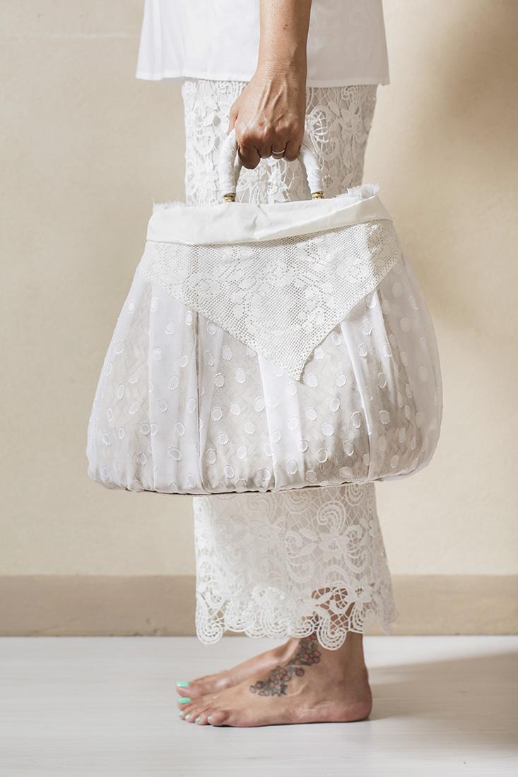 borse di paglia con tulle bianco