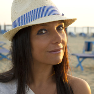 Smilingischic outfit navy style all shades of the sea cappello di paglia H&M