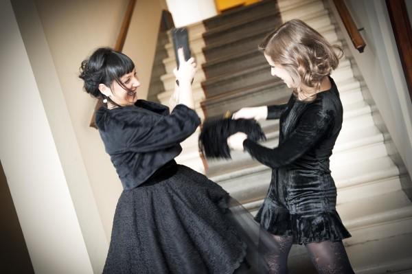 smilingischic, fashion blog, black velvet, rubrica 2040, come mamma e e figlia possono condividere lo stesso guardaroba, come due persone di età diverse possono interpretare uno stesso stile, Royal Victoria Hotel Pisa,