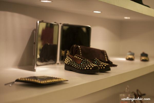 Smilingischic, fashion blog, presentazione collezione Autunno Inverno 2013/2014. L'Autre Chose, borchie mescolate alle pietre smeraldo