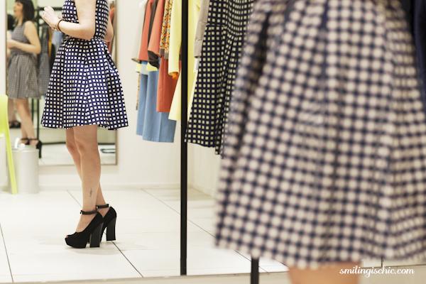 Smilingischic, fashion blog, collezione primavera estate 2013 Max & Co, negozio Lucca , pumps, riflesso,