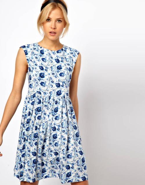 vestito grembiule a fiori blu, Asos
