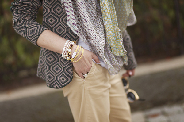 Smilingischic, fashion blog, outfit , Playing to be a lady, dettagli bracciali, Que Mas ,