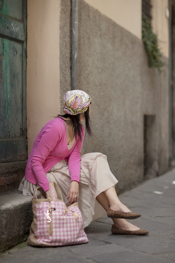 Smilingischic, fashion blog, V73 tweed pink, like a tourist, foulard,  pink, animalier, foulard come bandana