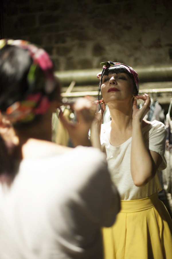 smilingischic, fashion blog, floog, sandali di legno comodi, store Flow, Carol De Leon, E.V.A, hippy chic, the new californian dream