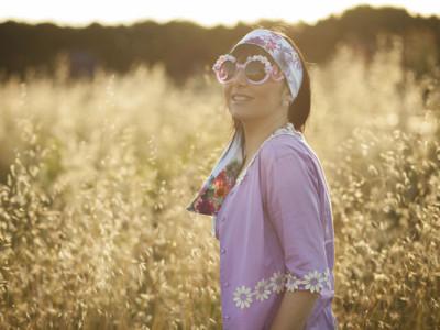 smilingischic, fashion blog, the pleasure of happiness , nara camicie, camicia con margherite, occhiali con fiori,  ZeroUV sunglasses, natura, outfit,