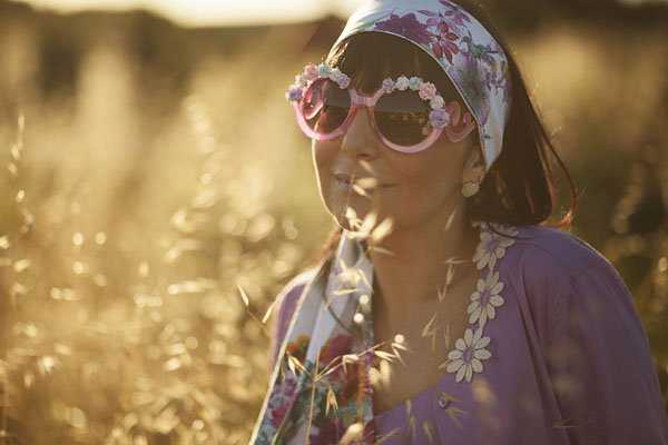 smilingischic, fashion blog, the pleasure of happiness , nara camicie, camicia con margherite, occhiali con fiori,  ZeroUV sunglasses, natura, outfit,