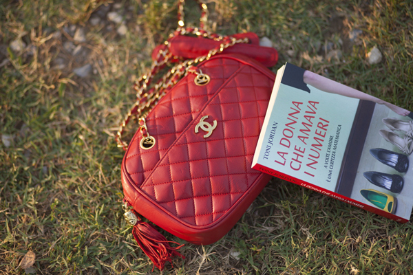 Smilingischic, fashion blogger, outfit, red and light blue, gonna a lois, mix di color, gonna con tulle, Mia Wish, dettagli, borsa chanel rossa, chanel vintage,