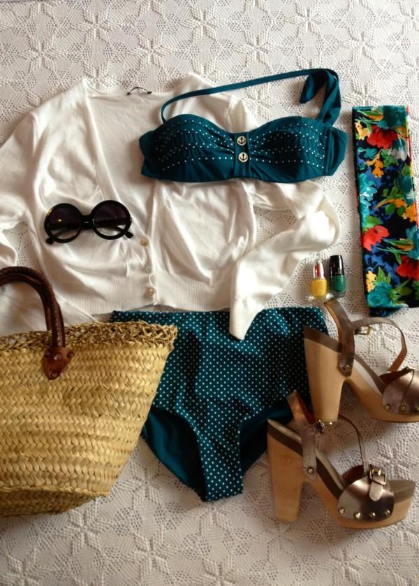 Le's go the beach, smilingischic, fashion blog, abbigliamento per andare in spiaccia, pin up, look mare retrò,
