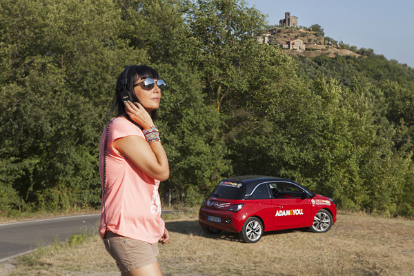 Smilingischic, fashionblog, Lucca, Driving is chic, recensione opel adam , city car, sunglasses HYPE, headphones Marshall,