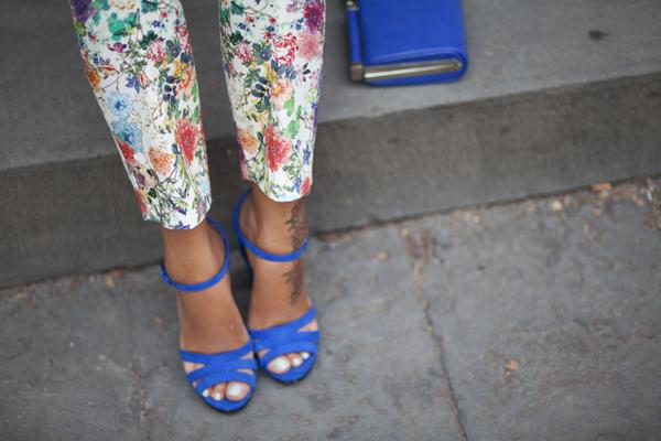 smilingischic, fashion bog, bye bye summer, flowers pants, heart, dettagli scarpe con tacco largo, bluette, zara