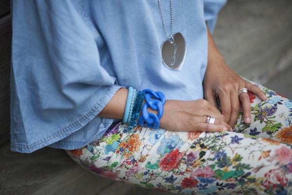 smilingischic, fashion bog, bye bye summer, flowers pants, heart, dettagli, bluette, zara, cuore metal, cose in +,