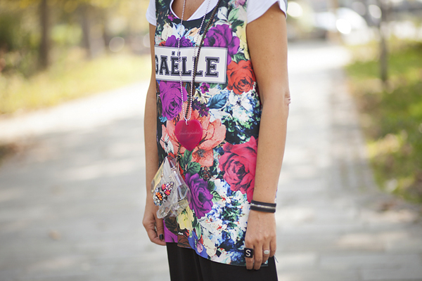 Smilingischic, fashion blog, MFW, milan fashion week, street style, outfit, Look the bright side , flowers, sunglasses specktre, Gaelle Bonheur Paris,