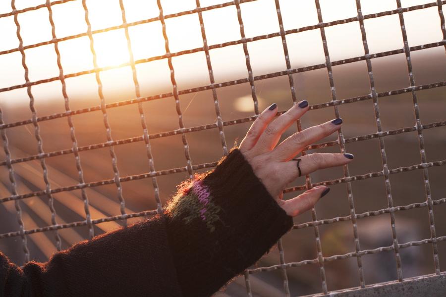 Smilingischic, fashion blog, Sandra Bacci, Memories or pictures, outfit, controluce, attesa,grata, dettaglio anello,  Smilingischic - Memories-1006