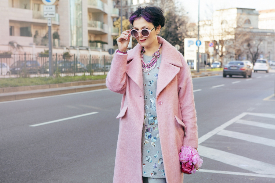 Smilingischic, fashion blog, outfit, pink coat, bijoux sodini, pink, cappotto Asos, occhiali rosa, Hairstyle Afro, Testanera