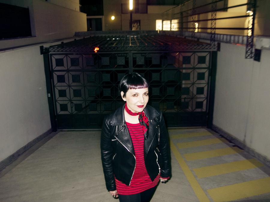 Smilingischic | Sandra Bacci | Black e Red-1003, righe, foulard al collo con cuoricini,