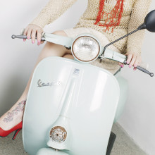 Smilingischic -1004, fashion blog, Giorgia & Johns, collezione Primavera Esttare 2014, Vespa, tiffany, pin up girl,  vespa 50 special, red