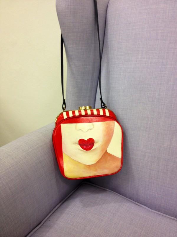 Smilingischic, fashion blog, Marina Santaniello, borse, made in Italy, red, Dico rosso, dico labbra kiss