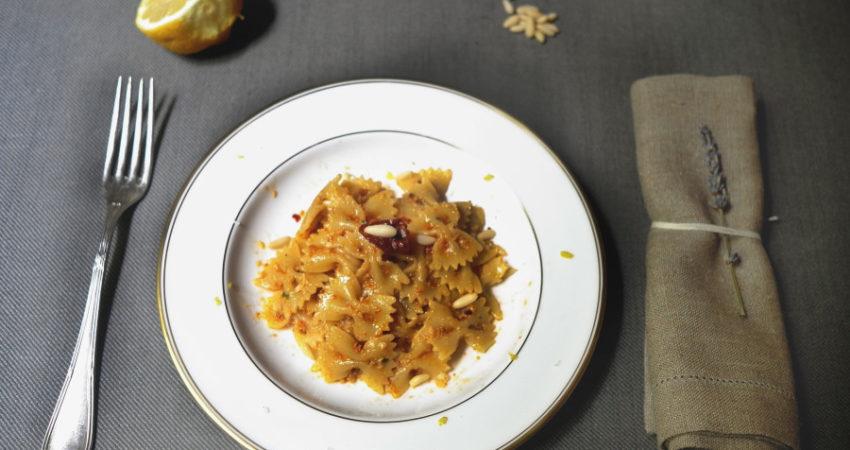 Smiling in the Kitchen| Pesto rosso per una giornata nera