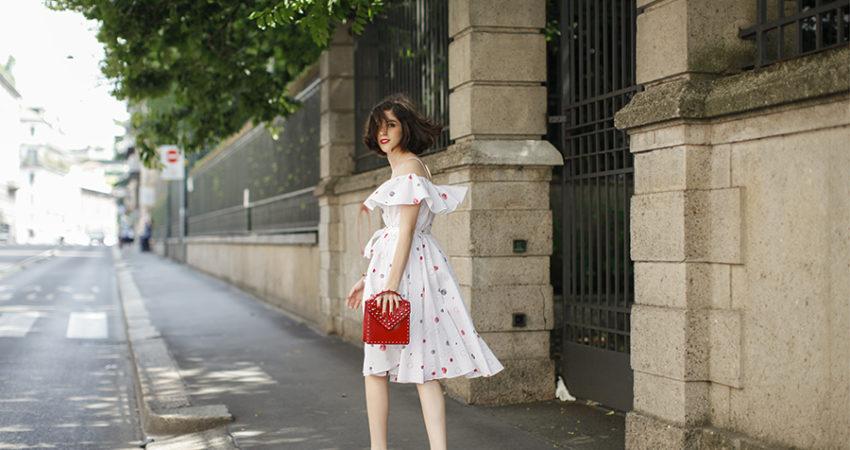Giulia   On the Street   Milano