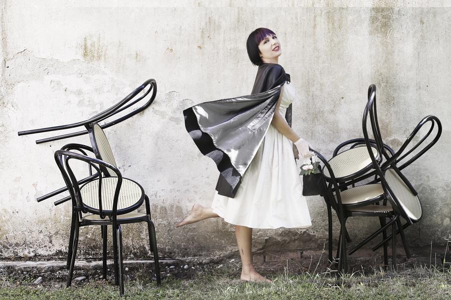 Smilingischic -1004, Fashion in Flair, editoriale Chanel N5 look, Silvia Soldani Stylist