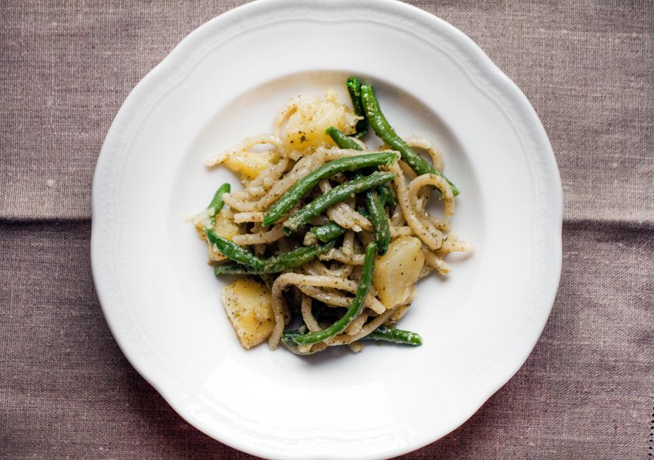 Pasta al Pesto, Silvia dall'Aglio, Smiling in the kitchen