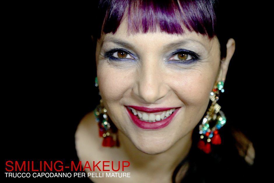 Smiling make-up, Trucco per le feste, Trucco per Capodanno, Blue Smokey eyes