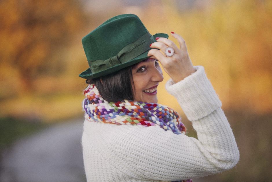 Smilingischic-luceombra-1008, Sandra Bacci, Smile, cappello verde stile Borsalino, Cristina e i suoi Colori, cappello di feltro usurato